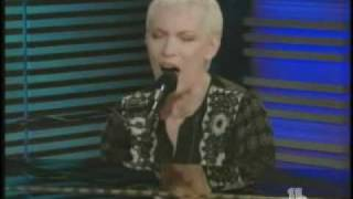 Annie Lennox COLD (acoustic TV performance)