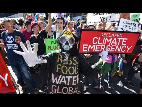 Politicians should 'stand up' against the climate change 'hysteria'