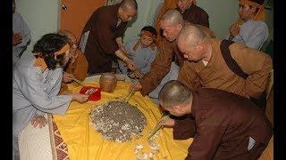 Chuyện có thật - Chuyện linh ứng thần kỳ ít người biết về xá lợi Phật