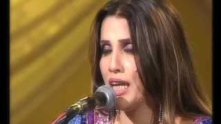 kis tarhan bhoolay ga dil un ka khayaal live ghazal by humera