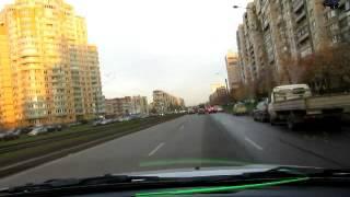 Левый поворот на широком перекрестке