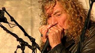 """Robert Plant and the Band of Joy playing """"Somewhere Trouble Don't Go""""."""