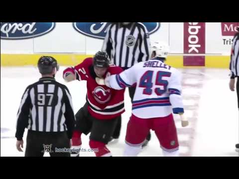 Jody Shelley vs Pierre-Luc Letourneau-Leblond