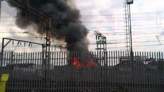 preview picture of video 'FIRE IN WEST London WILLESDEN  24/02/2012 APRIL PART.2'