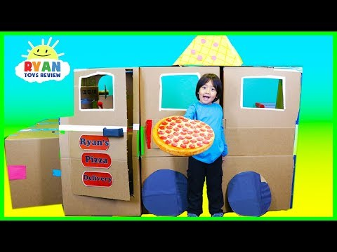 Ryan Pretend Play with Pizza Delivery Box Fort!