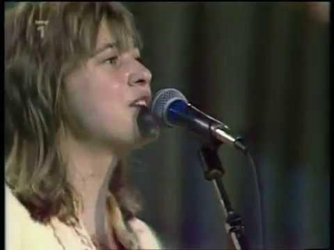 SUZI QUATRO - STUMBLIN' IN  ( LIVE )