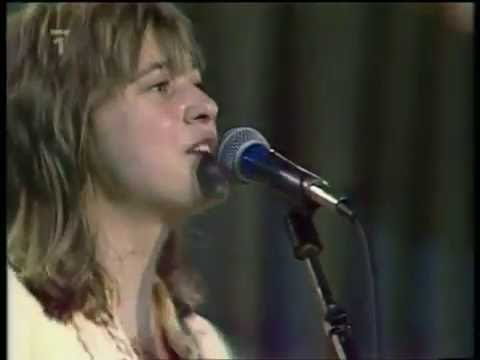 SUZI QUATRO - STUMBLIN' IN  ( LIVE )