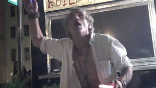 Druggy homeless man sings Maggie M'gill by The Doors