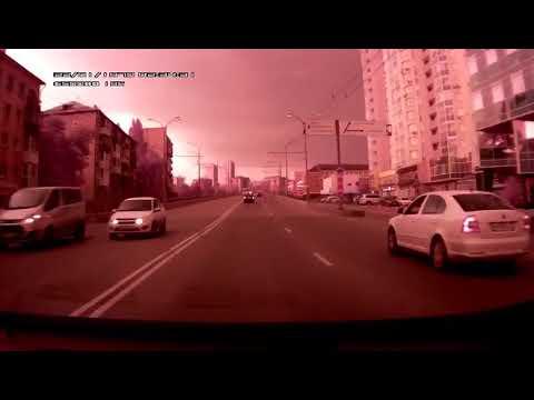 Молния устроила фейерверк в  Екатеринбурге