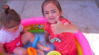 Arevik Learn Colors at Swimming Pool for Kids