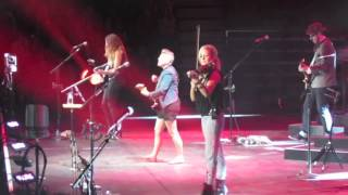 SHE'S GONE COUNTRY: Dixie Chicks live - Hamilton, ON - 2013