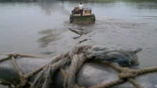 Вездеходы переплывают ручей у Тигиля. КАМЧАТКА (часть 2)