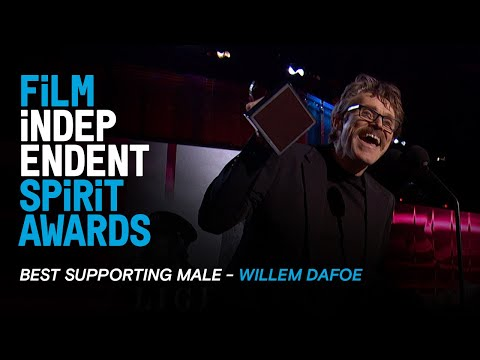 WILLEM DAFOE wins Best Supporting Male at the 35th Film Independent Spirit Awards