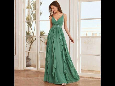 Elegantes Abendkleid in Grün mit schicken Raffungen