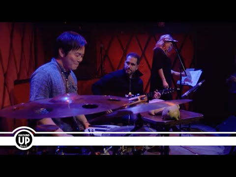 "Charlie Hunter Trio Feat. Lucy Woodward & Keita Ogawa ""Can't Let Go"""