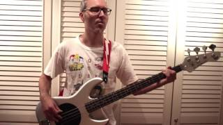 Mr. Fabulous - The Show Must Go On - Queen Bass Cover (Easy)