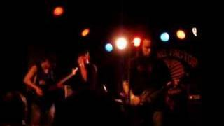 E Town Concrete - Stranglehold (Live)