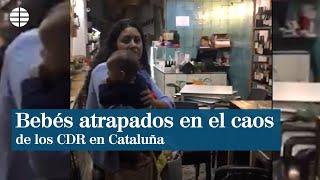 Bebés atrapados en los disturbios de los CDR