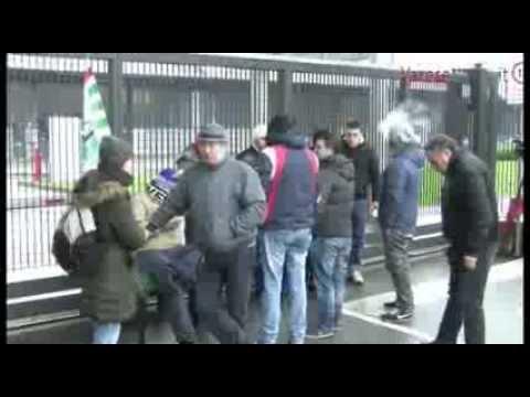 I lavoratori Husqvarna bloccano i tir