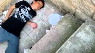 preview picture of video 'caida o empujon a elies por ibai(el show de ibai)'