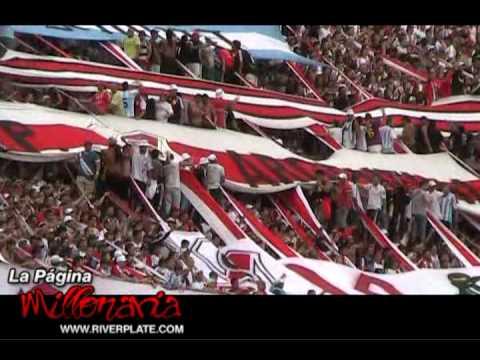 """""""""""Porque yo dejo todo por verte salir campeón"""" - River Plate - La Página Millonar"""" Barra: Los Borrachos del Tablón • Club: River Plate • País: Argentina"""
