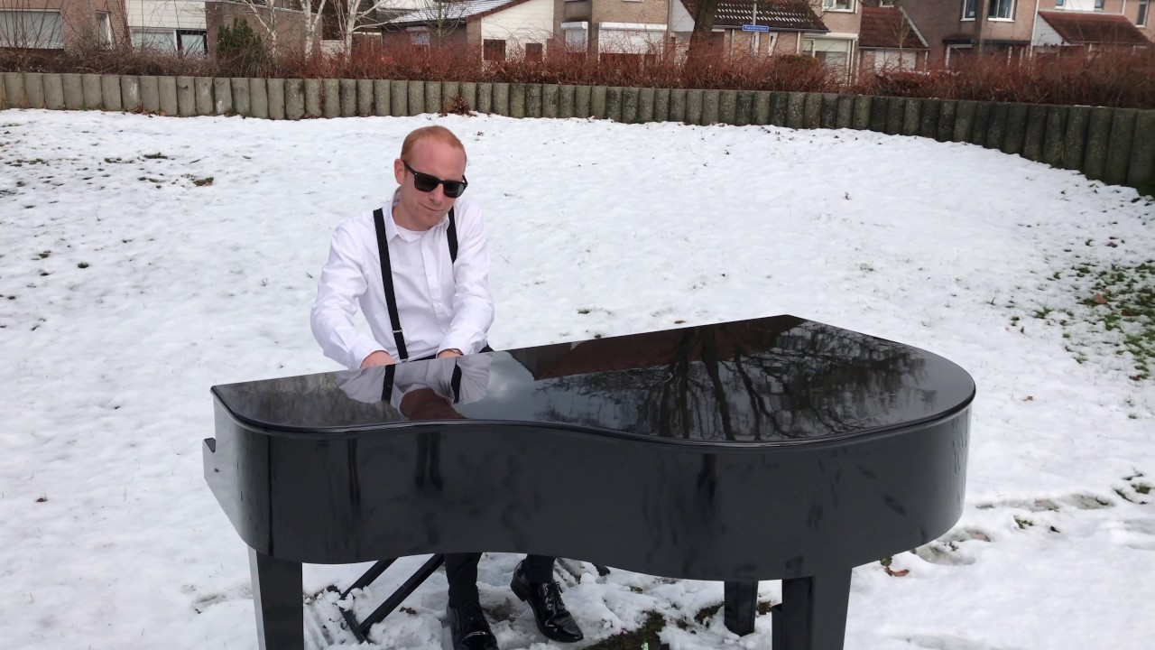 Frozen piano