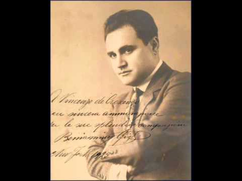 Benjamino Gigli sings Anema e core_0001.wmv