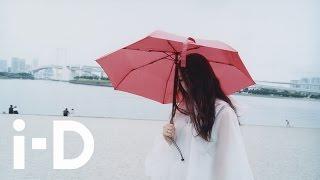 【Identity 】写真家ハーレー・ウィアーが捉えた、写真家 岡部桃(Momo Okabe)