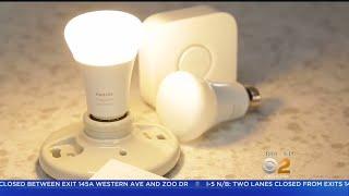 CNET Tech Minute: The Skinny On Smart Bulbs