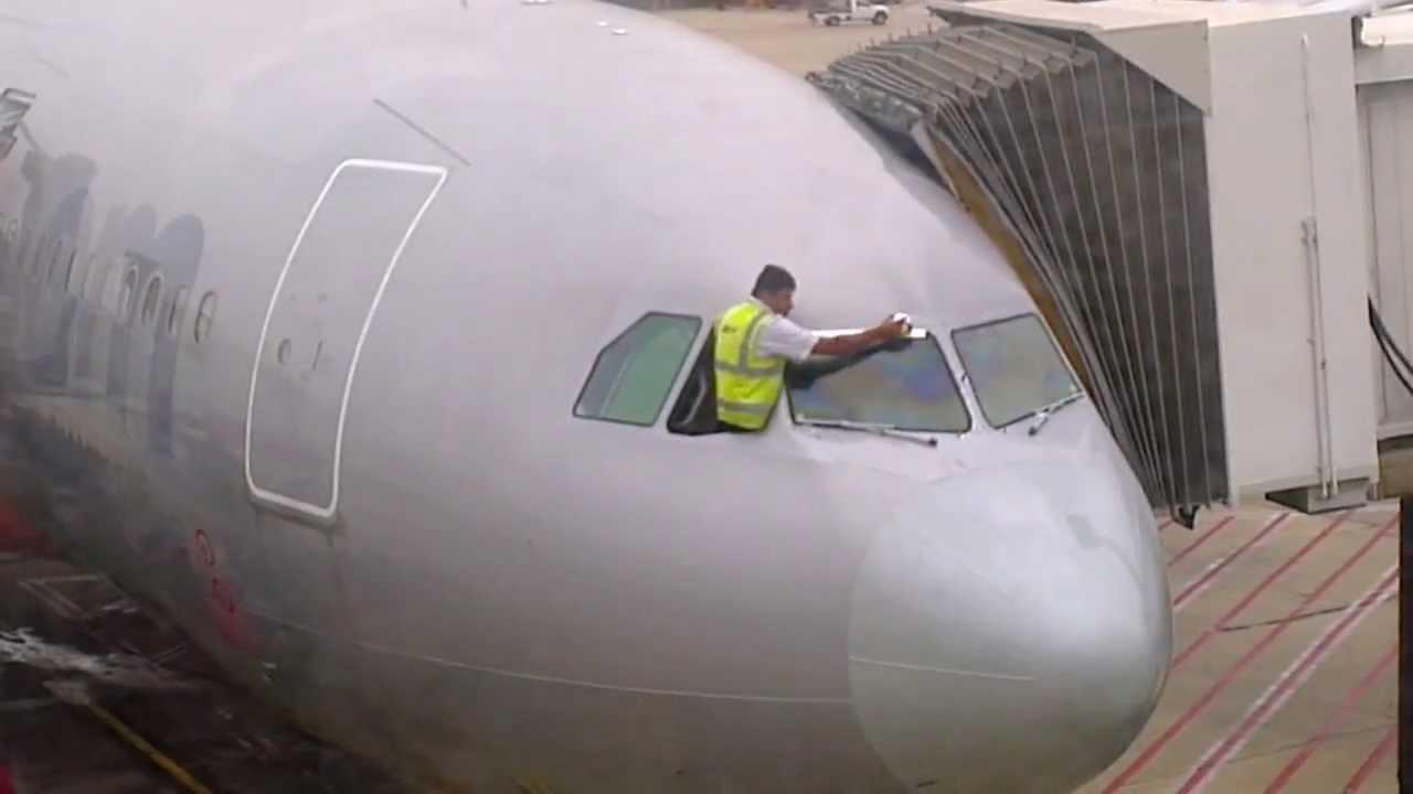 Watch An Engineer Repair A Jetstar Plane With Gaffer Tape