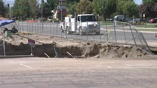 Broken water main causes sinkhole near Coffee Rd. and Stockdale Highway