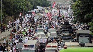 Aksi Unjuk Rasa Ratusan Umat Islam Kawal Sidang Ahok