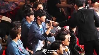 160409 - Funny reaction to Gear VR (Chanyeol, Kai, Sehun)