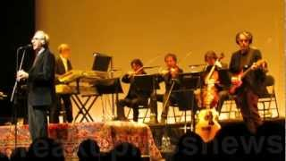 Franco Battiato, Bandiera Bianca e Up Patriots to Arms, live at Barbican London