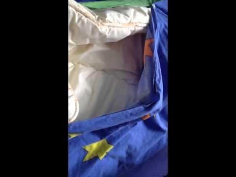 Süße Katze im Bettbezug/Sweet cat in duvet cover