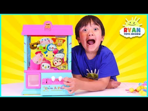 Arcade claw machine game for Surprise Toys with Ryan ToysReview