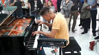 Tokio Myers   Playing Piano At A Mall In London Tune