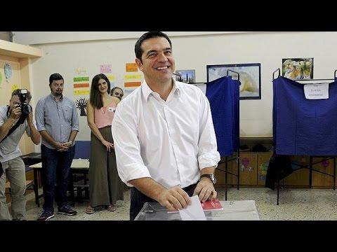 Ελλάδα: Ψήφισε ο Αλέξης Τσίπρας – «Ο λαός θα πάρει το μέλλον στα χέρια του» δήλωσε