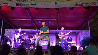 "Aaron Tippin ""Ready to Rock (In a Country Kinda Way)"""