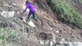 Keadaan longsor di pos air jalur pendakian gunung andong via basecamp