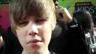 Justin Bieber at the 2010 Nickelodeon Kids Choice Awards(bajaryoutube.com).flv