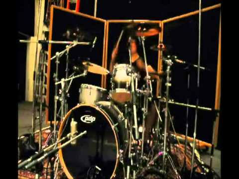 ReVaulteR in the studio. 'Come Out' drum teaser