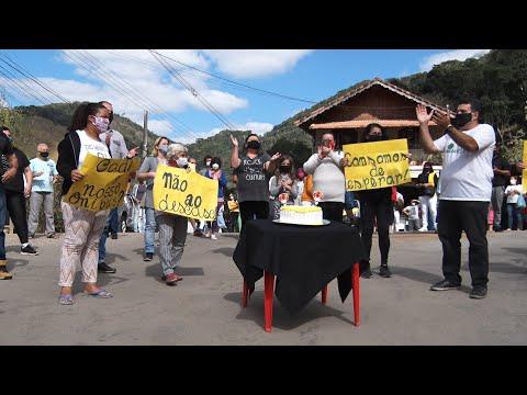 """Moradores de Amparo organizam """"Aniversário da Vergonha"""" para cobrar obra da prefeitura"""
