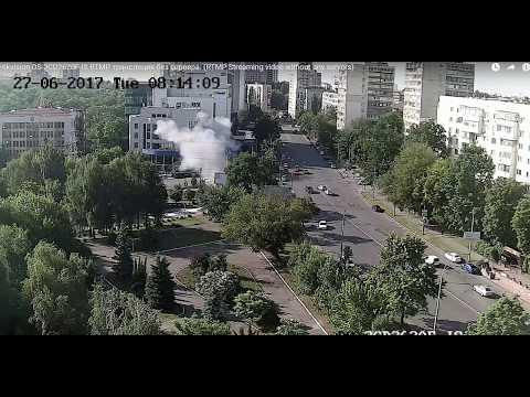 В сети появилось видео взрыва машины на Соломенке
