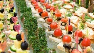 Вкусные канапе, мини бутерброды, на шпажках и красивое оформление праздничного стола
