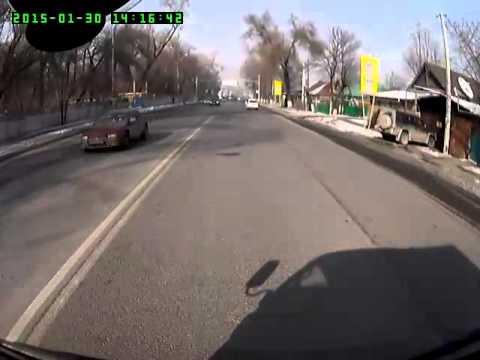 Алматы. Знак 40 с зоной действия 150м. стоит перед перекрестком 20150130 1416