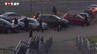 В Беларуси массовые протесты: люди нападают на ОМОН. Видео