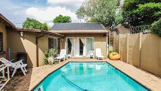 5 Bedroom House for sale in Gauteng | Johannesburg | Roodepoort | Radiokop | 18 Shortwa |