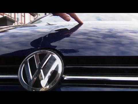 Mutmaßlicher VW-Hasser verklebt Autos | Panorama 3 | NDR