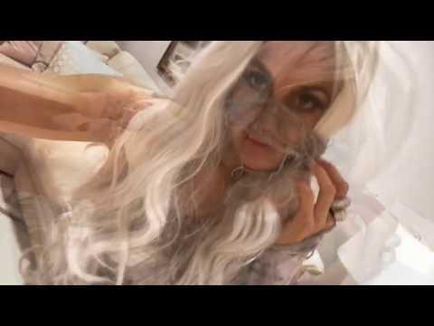 DIY Glam Mummy Costume for Halloween